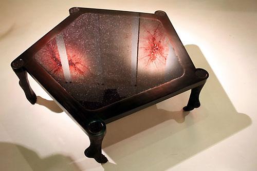 I cinque aggregati, tavolo da salotto in legno, pvc, glitter e resina